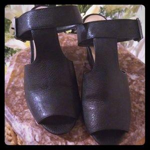 Kaari Blue black Wedges size 8.5 Like new